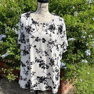 Worthington White and Black Floral Blouse size XXL